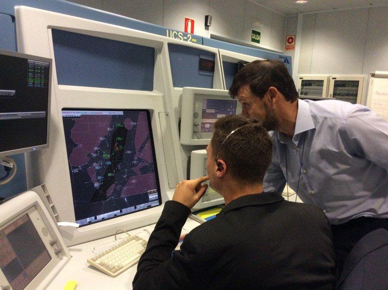 Pilotos y controladores, alta capacidad ante una gran responsabilidad