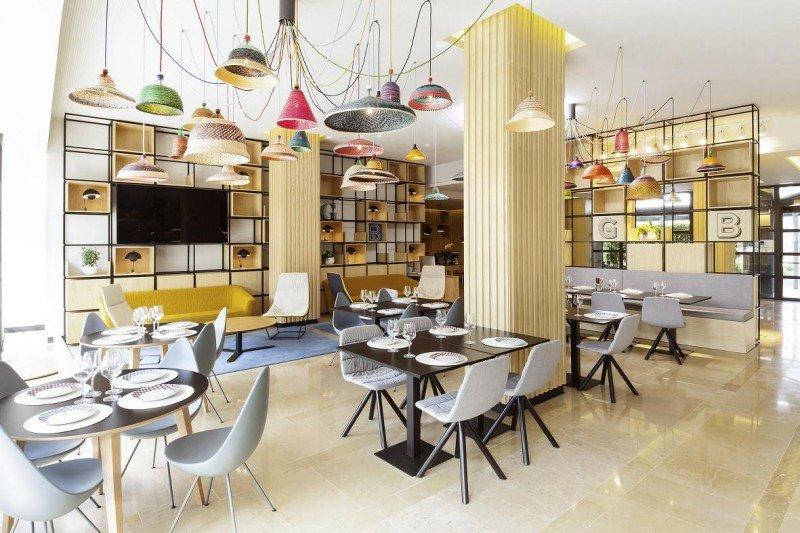 El Gourmet Bar y su nuevo concepto de restauración se convierten en protagonistas del lobby del Novotel Sanchinarro.