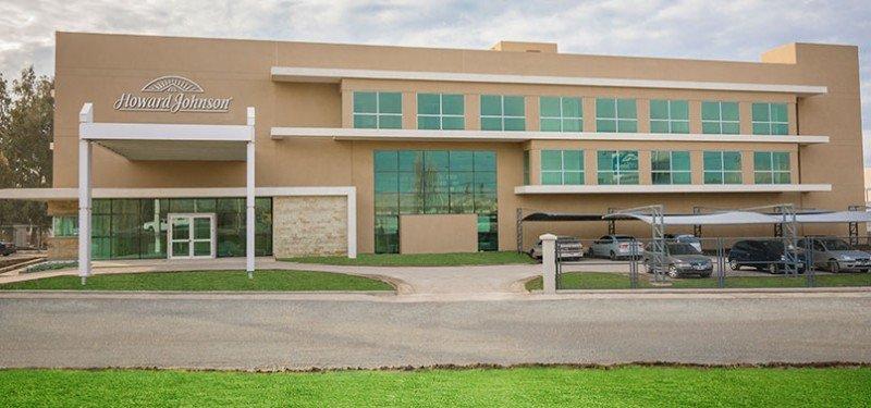 El primero en abrir será el hotel de Neuquén.
