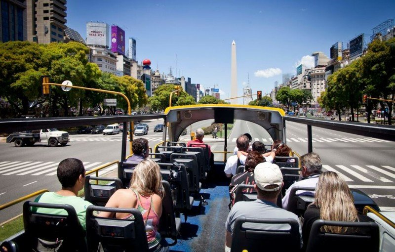 Los principales emisores a la Argentina contrajeron sus viajes en agosto.