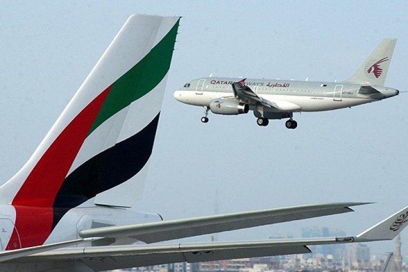 Qatar Airways y Emirates piden autorización para operar en Bolivia.