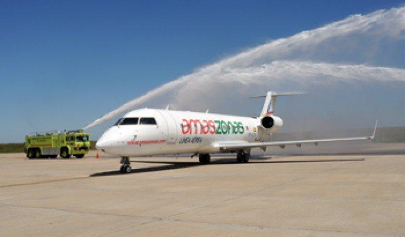 Los aviones Bombardier CRJ200 tienen capacidad para 50 pasajeros.