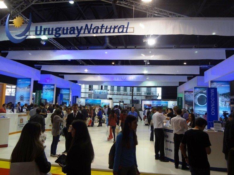 Pabellón de Uruguay en la feria FIT 2015.