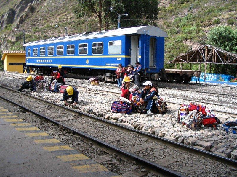 Suspenden viajes en tren a Machu Picchu por paro en región peruana de Cusco