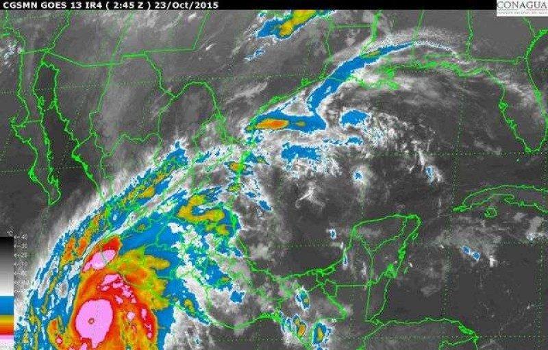 Patricia se transformó de una tormenta tropical a huracán categoría 5 en 10 horas. Imagen satelital: NOAA