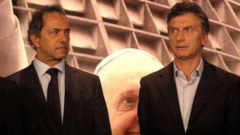 Daniel Scioli, candidato del Frente para la Victoria y Mauricio Macri, Frente Cambiemos.