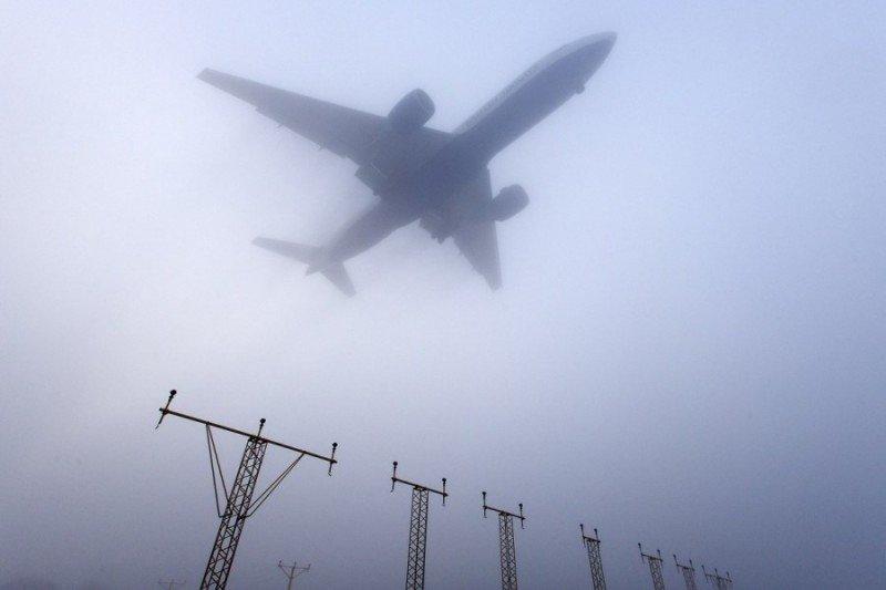 Los aeropuertos británicos están sufriendo regulaciones por la intensa niebla. (Imagen de archivo).
