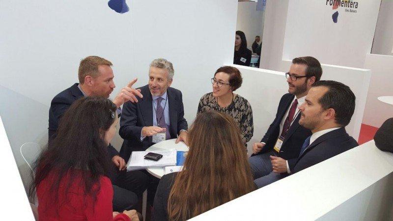 Reunión en la World Travel Market entre los representantes de Palma de Mallorca y aerolíneas británicas.