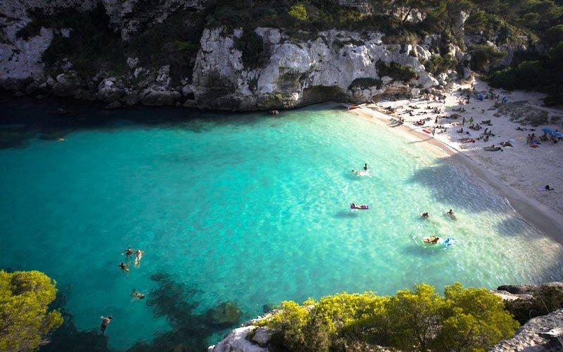 British Airways conectará por primera vez Menorca con el aeropuerto de Heathrow (en la foto, la playa de Macarelleta).