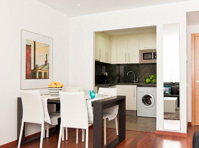 Petrus vende dos edificios de pisos turísticos de Barcelona al fondo Tauro Real Estate