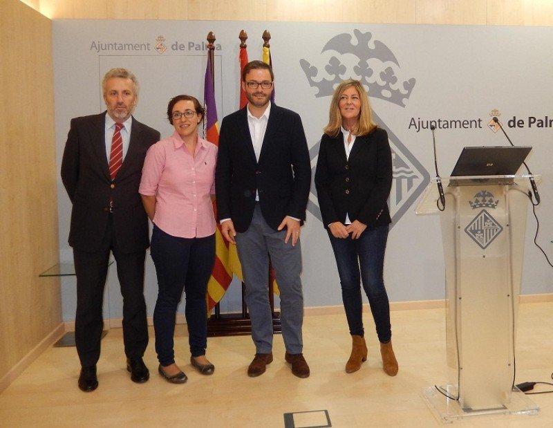 (Izq a Da.) Pedro Homar, Joana María Adrover, José Hila y Carmen Tudela.