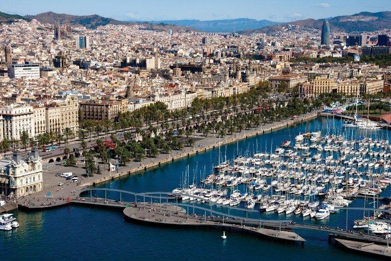Barcelona abrirá su puerto pesquero y náutico al turismo