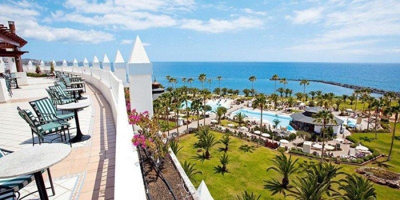 Los establecimientos de Canarias registran el mayor índice de ocupación hasta septiembre con un 83%. En la imagen, el Riu Palace Tenerife.