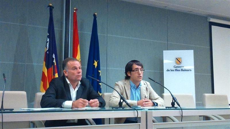 Baleares se reunirá con airberlin para tratar de evitar despidos(De Da. a Izq.) el director general de Ocupación y Economía, Llorenç Pou; y el consejero de Trabajo, Comercio e Industria del Gobierno de las Islas Baleares, Iago Negueruela.