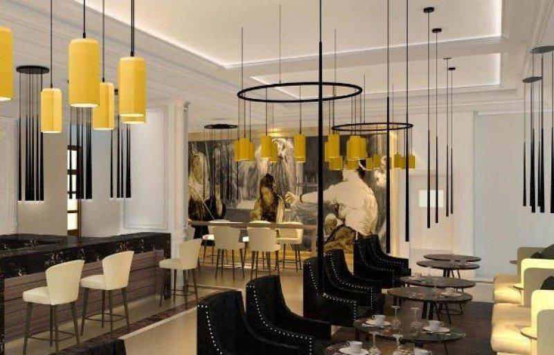 El lobby del hotel alberga el Cocktail Bar de Autor, con Velázquez siempre presente.