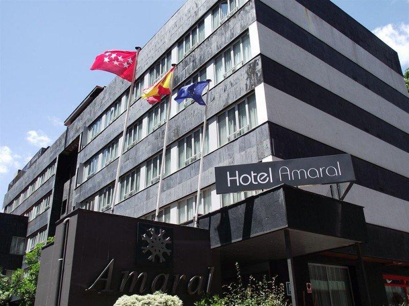 El Hotel Amaral se encuentra en el entorno empresarial de Cuzco, a pocos metros del Estadio Santiago Bernabéu.