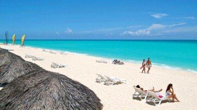 La isla recibió 3.002.745 de visitantes en 2014.