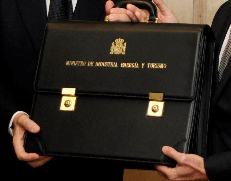 La cartera del ministro de Industria, Energía y Turismo.