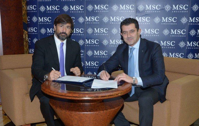 El CEO del grupo Barceló Viajes, Gabriel Subías (Izqda.), junto a su homólogo en MSC Cruceros, Gianni Onorato.