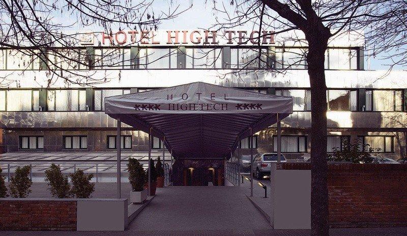 De llevarse a cabo la operación, Hotusa añadiría los 22 hoteles de Petit Palace-High Tech a los cuatro con que cuenta en Madrid.