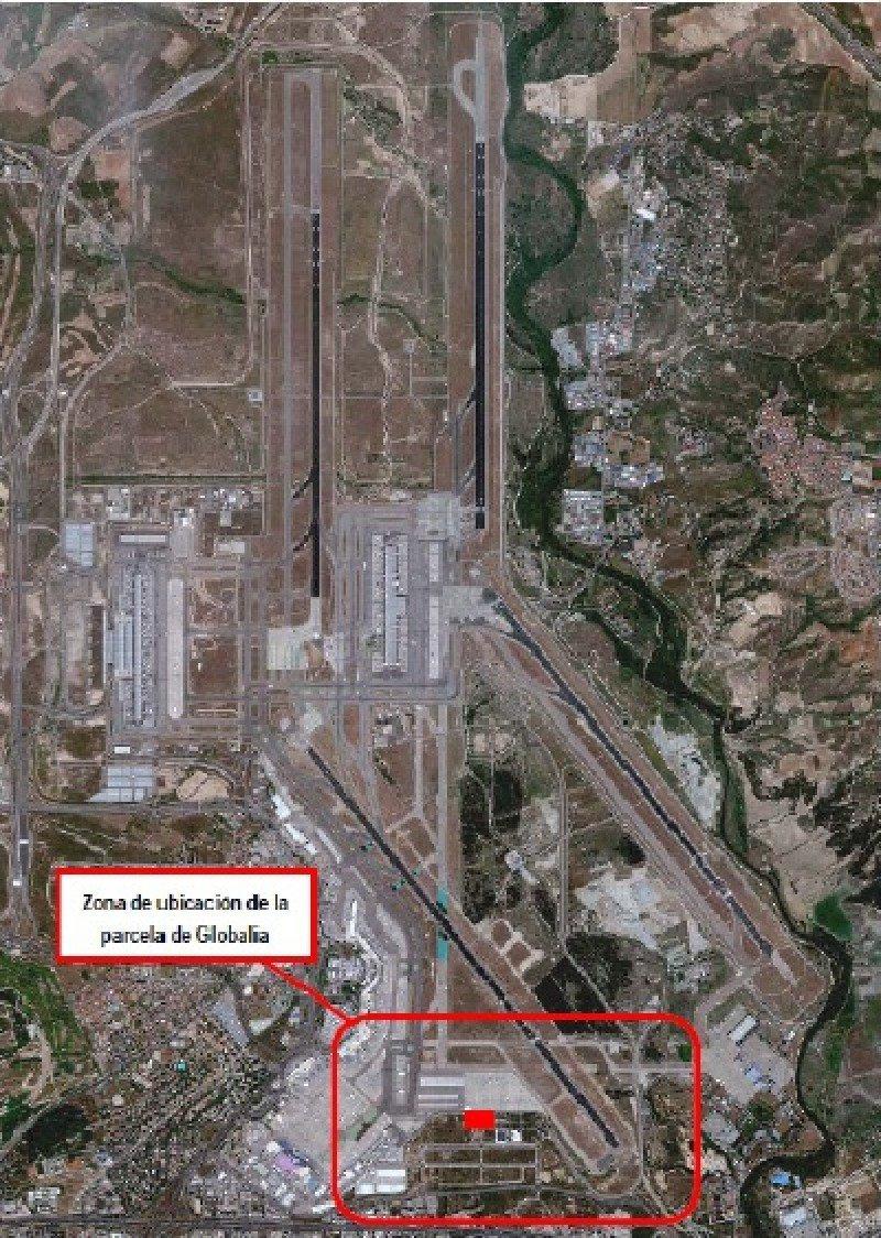 Ubicación de la parcela donde será construido el hangar de mantenimiento de Globalia, al sur del Aeropuerto de Madrid-Barajas.