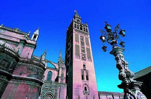 El concejal de Hábitat Urbano, Cultura y Turismo afirma que se podría recaudar hasta cuatro millones de euros.