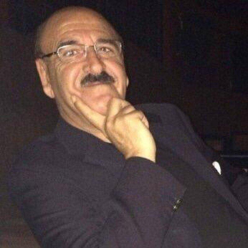 Tony Álvarez.