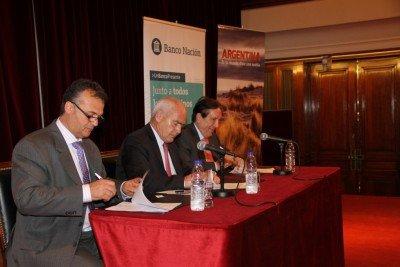 Firma del convenio entre el Banco Nación, Ministerio de Turismo y Cámara Argentina de Turismo.