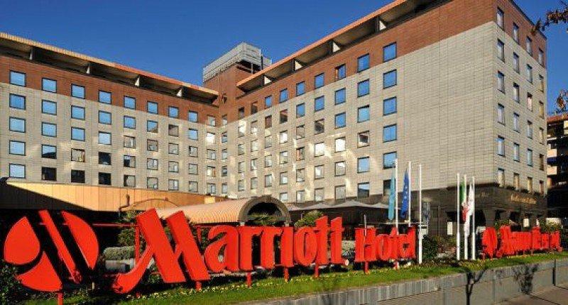 Marriott compra Starwood por US$ 12.200 millones.