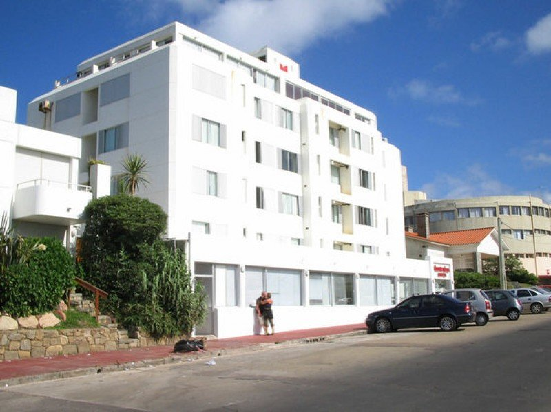 Hotel Amsterdam de Punta del Este, sede del cierre del ciclo Desayunos de Turismo.