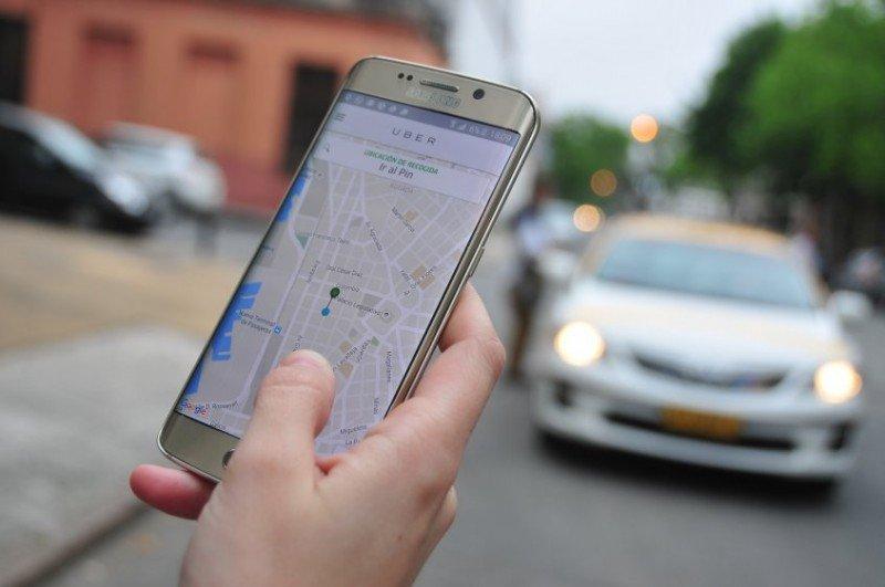 Uber comenzó a ofrecer su servicio este jueves en Montevideo. Foto: I. Guimaraens, El Observador