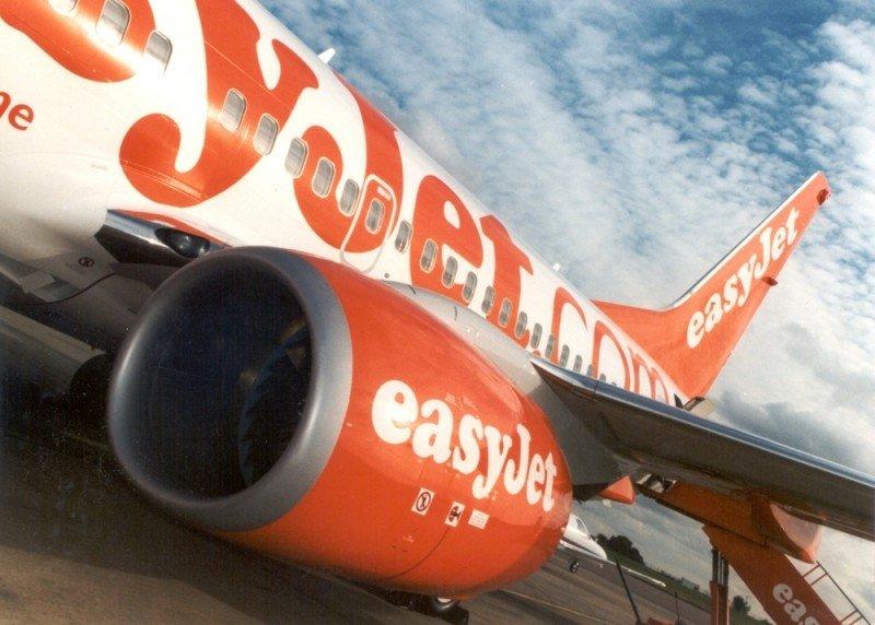 EasyJet investiga grafitis en árabe aparecidos en sus aviones