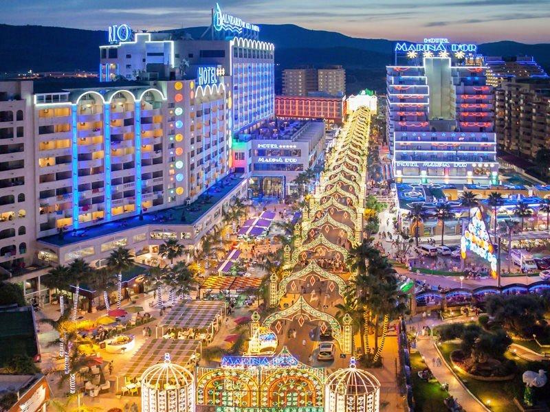 Marina d'Or busca atraer más turismo internacional con nuevas conexiones aéreas y paquetes especializados en cada mercado.