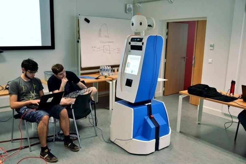 El robot asistirá a los pasajeros de KLM en cualquier gestión dentro del aeropuerto.