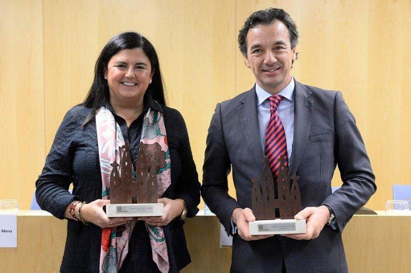 Asunción Fernandez-Villarán y José Ángel Preciados, galardonados en esta edición en las categorías académica y profesional, respectivamente.