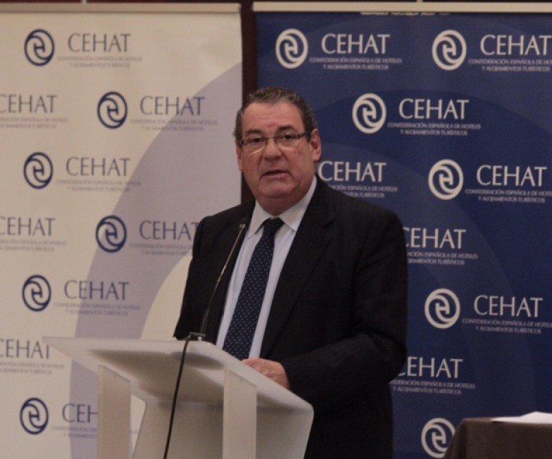 Molas tras su reelección como presidente de CEHAT para los próximos cuatro años.