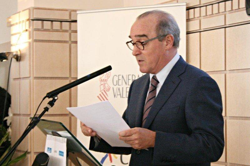 """'Rusia busca en España repuesto para las vacaciones de 19 millones de rusos"""", ha advertido Antonio Mayor en su discurso."""