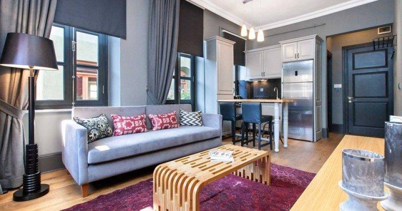 Los usuarios disponen de City Mate, un miembro del equipo local de Be Mate para recibirles en el apartamento y ofrecerles todos los servicios que puedan necesitar.
