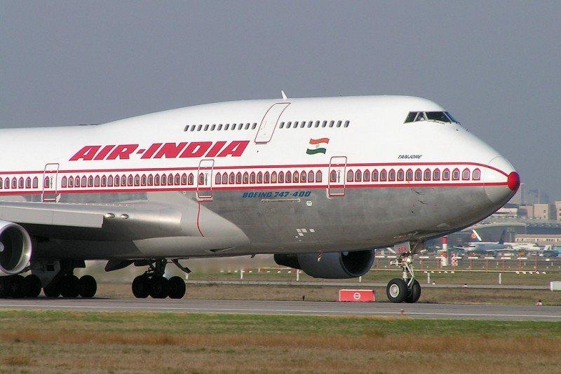 Muere un trabajador de Air India tras ser absorbido por el motor de un avión