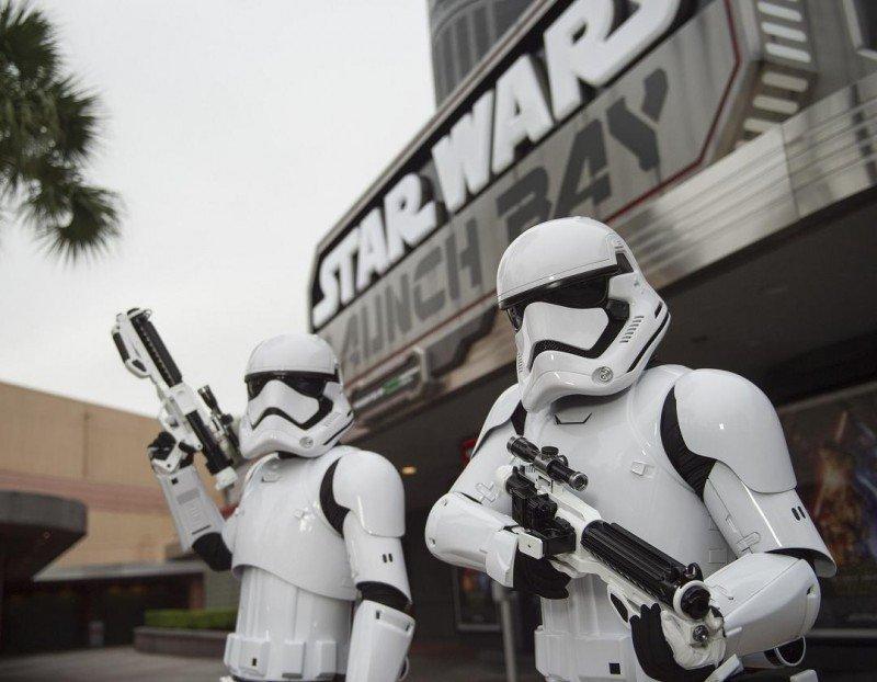 El 'Star Wars Launch Bay' introduce al visitante dentro de la película con exhibiciones especiales e imágenes entre bastidores.