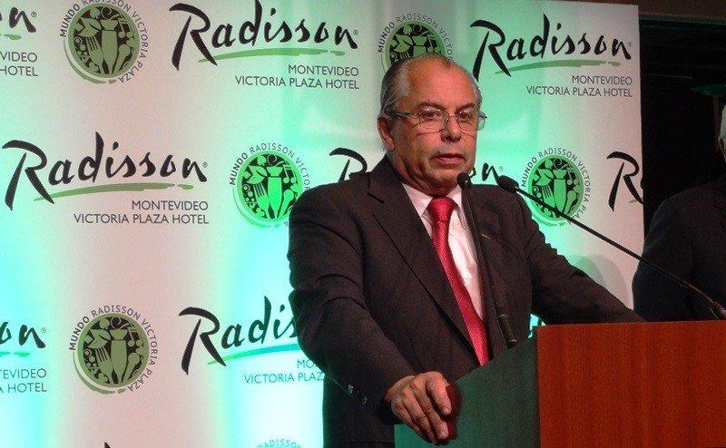 Horacio Sardeña, director del hotel Radisson Montevideo.