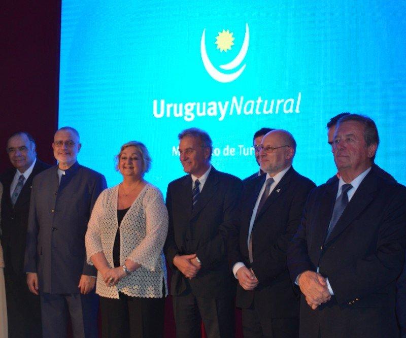 Por primera vez en dos décadas Uruguay lanza temporada de verano en Argentina.