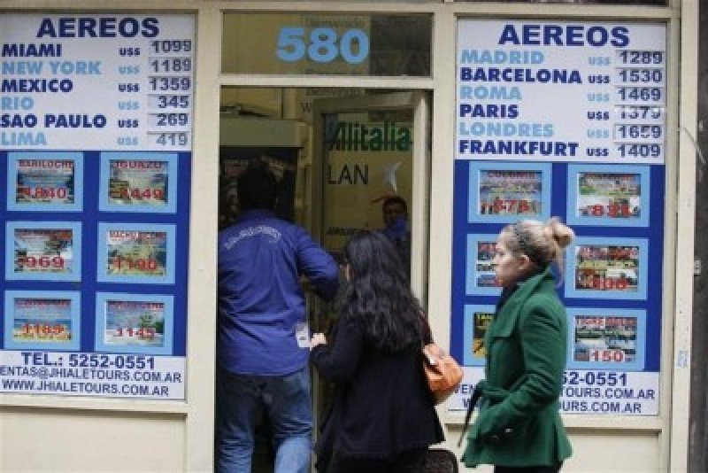 Agencias argentinas se anticipan a la devaluación y suben hasta 30% el precio de los paquetes