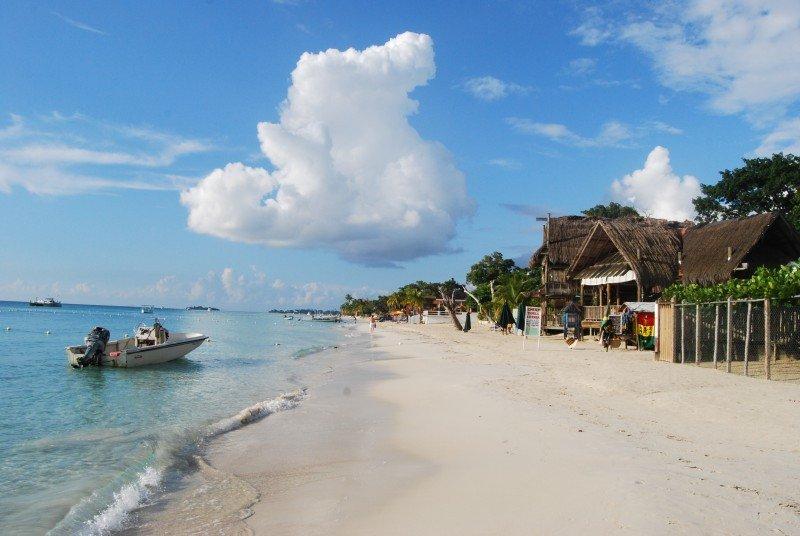 Aumenta 5,5 % el turismo en Jamaica entre enero y septiembre. (Foto: Diario La Tercera)