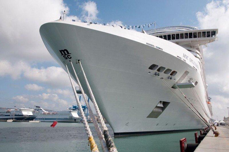 Puerto de Buenos Aires se prepara para la llegada del MSC Splendida.