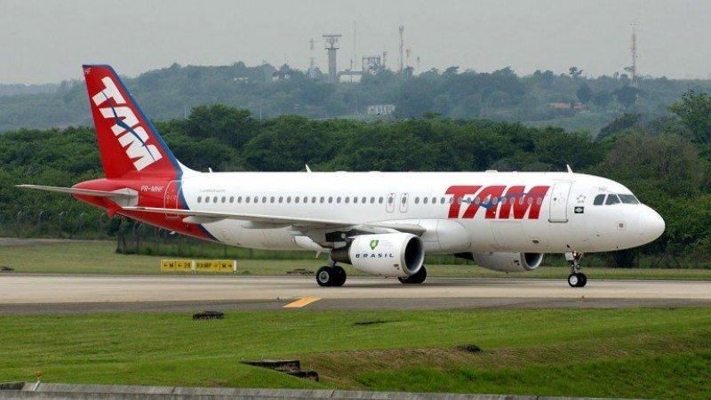 Avión de TAM que sufrió amenaza de bomba en España volará a Brasil esta tarde.