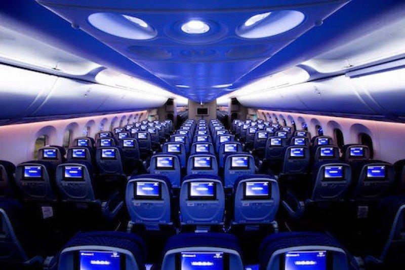 Cabina clase turista del Dreamliner de Aeroméxico.