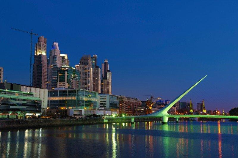 En Argentina hay 12.000 alojamientos, de los cuales 8.000 están en Buenos Aires.