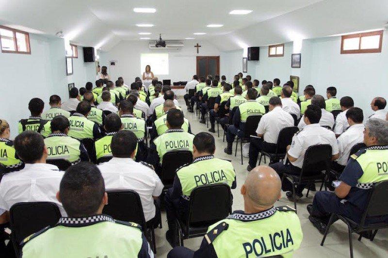 Tucumán tendrá policías capacitados en atención turística.