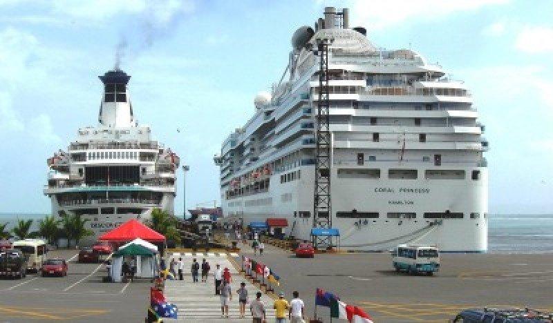 Cruceros activan turismo marítimo en el Caribe de Costa Rica